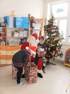 Mikołaj u Smerfów