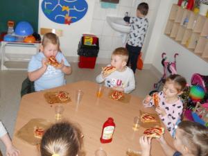 Gumisiowe wypieki pizzy
