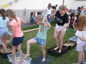 Dzień Dziecka - ścieżka sensoryczna i ścieżka gimnastyczna