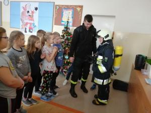 Klasa III gościła strażaka grębkowskiej OSP.