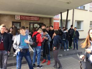 Gimnazjaliści odwiedzili węgrowskie szkoły